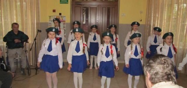 Występ dzieci ze Stołeczna – Dzień Niepodległości